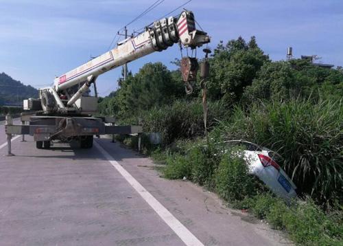 吊车道路救援