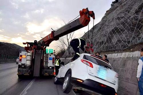 道路吊装救援